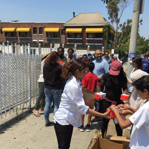 Food-pantry-skid-row-3