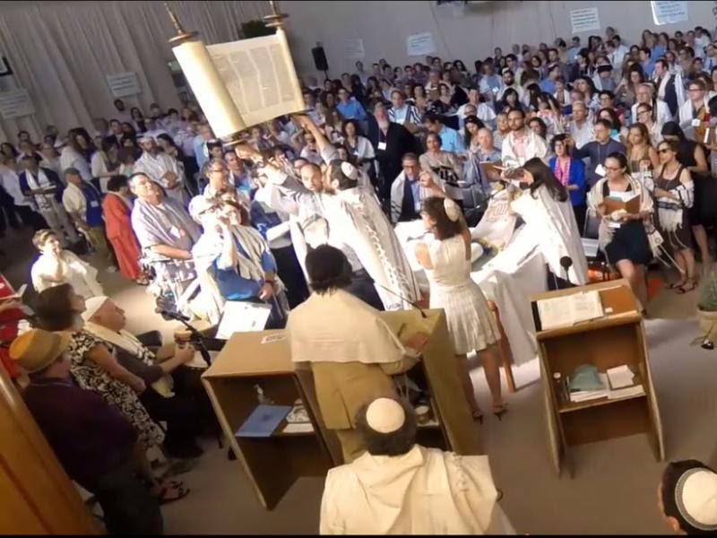 In Solidarity: 8 Weeks of Shabbat